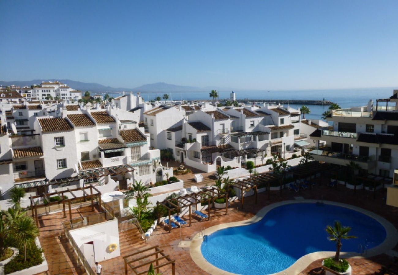 Zapholiday - 2129 - La Duquesa apartment, Costa del Sol - swimming pool