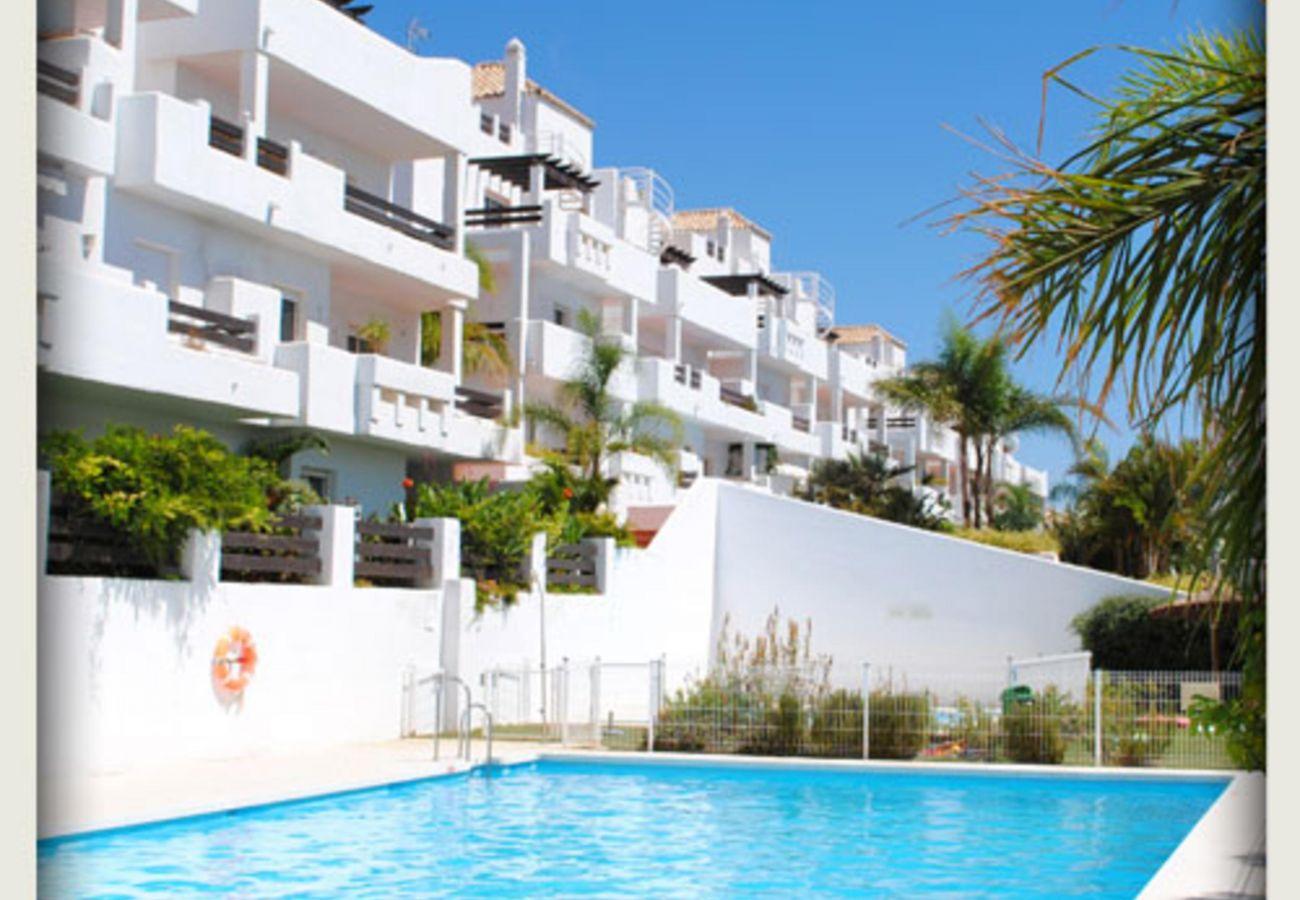 Apartment in Estepona - Valle Romano 2051