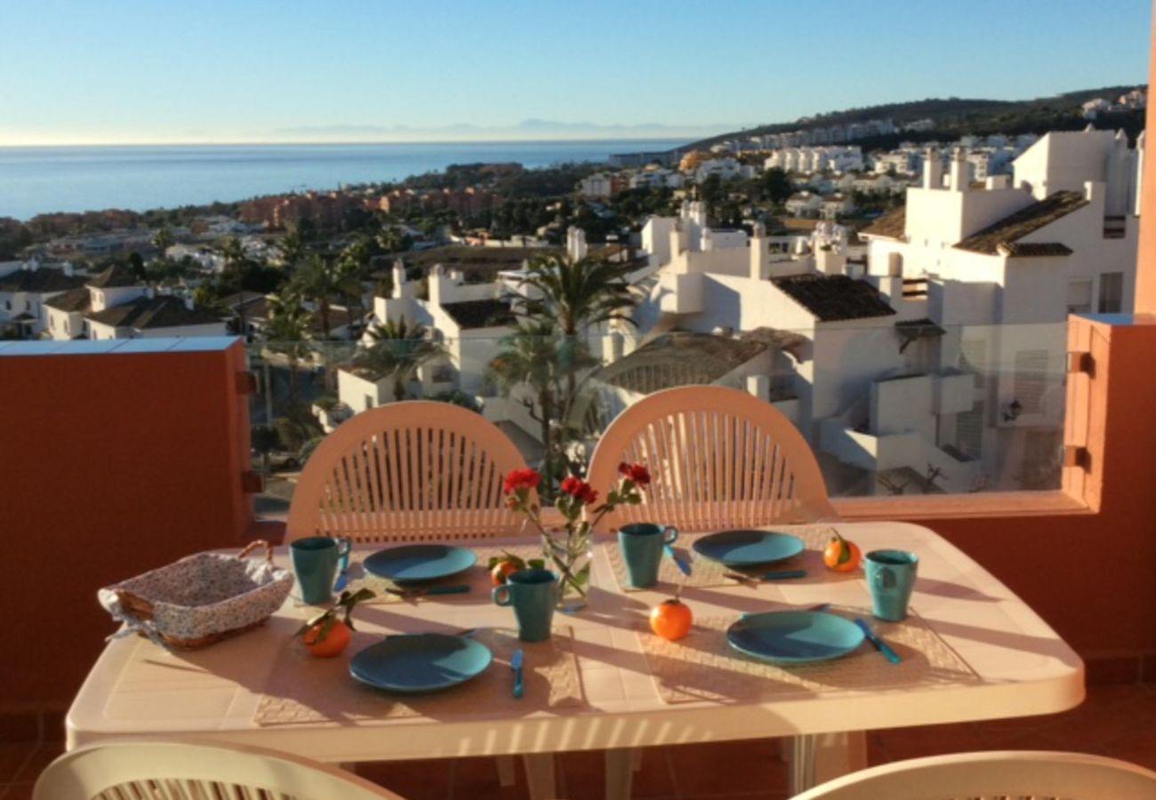 Zapholiday - 2208 - La Duquesa holiday apartment - sea view