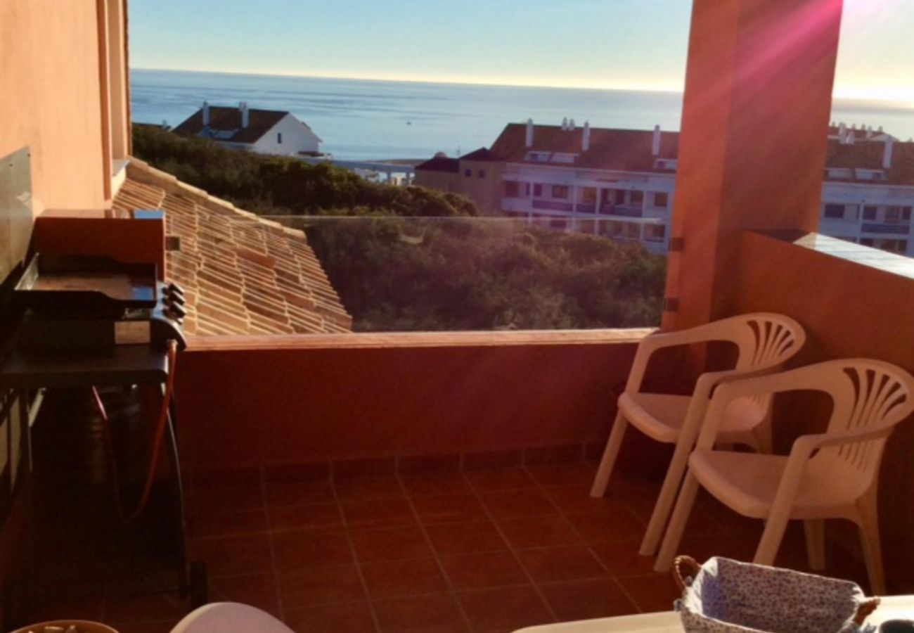 Zapholiday - 2208 - La Duquesa holiday apartment - barbecue