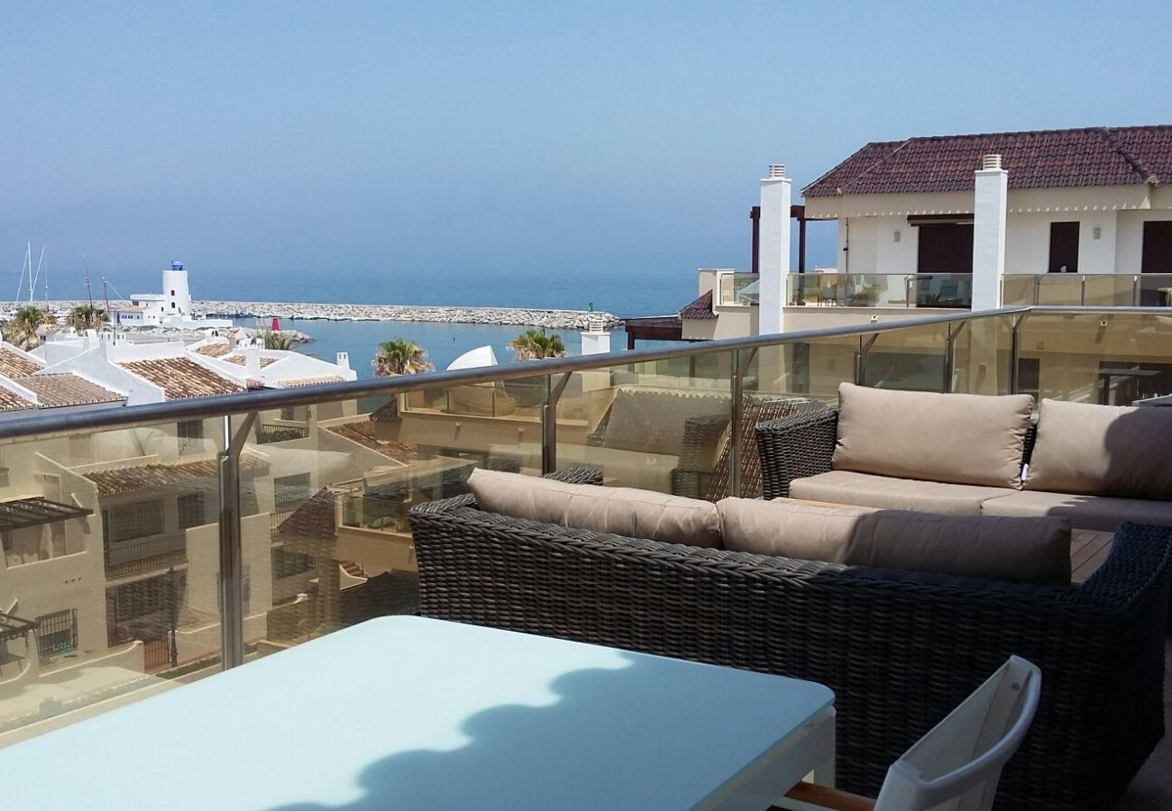 Zapholiday - 2218 - La Duquesa holiday apartment - sea view