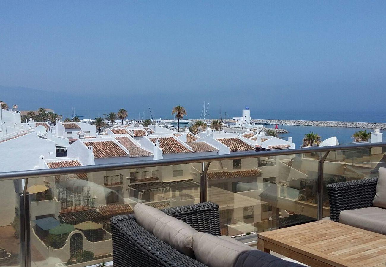 Zapholiday - 2218 - La Duquesa holiday apartment - terrace