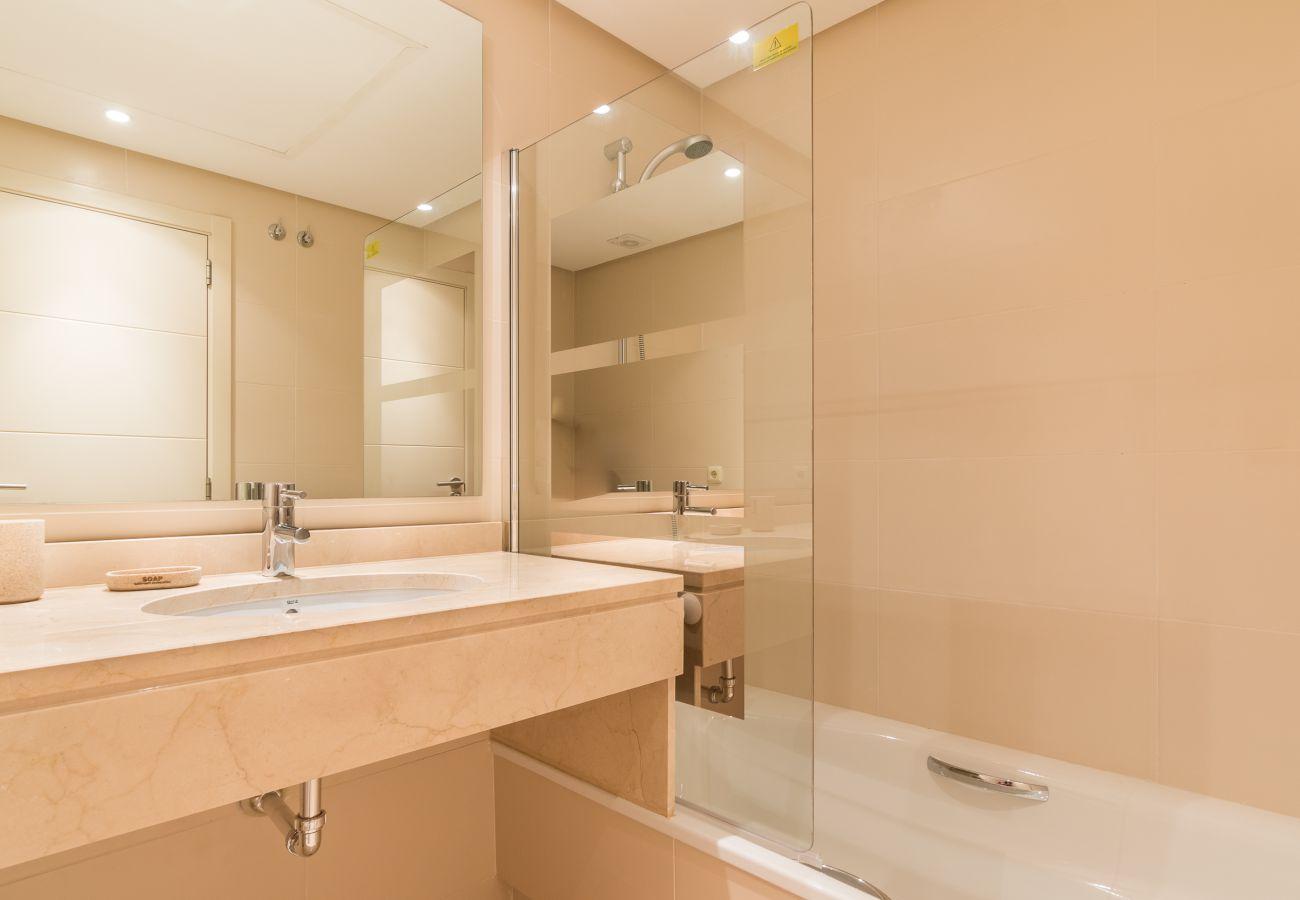 Apartment in Estepona - Alcazaba Lagoon 2214
