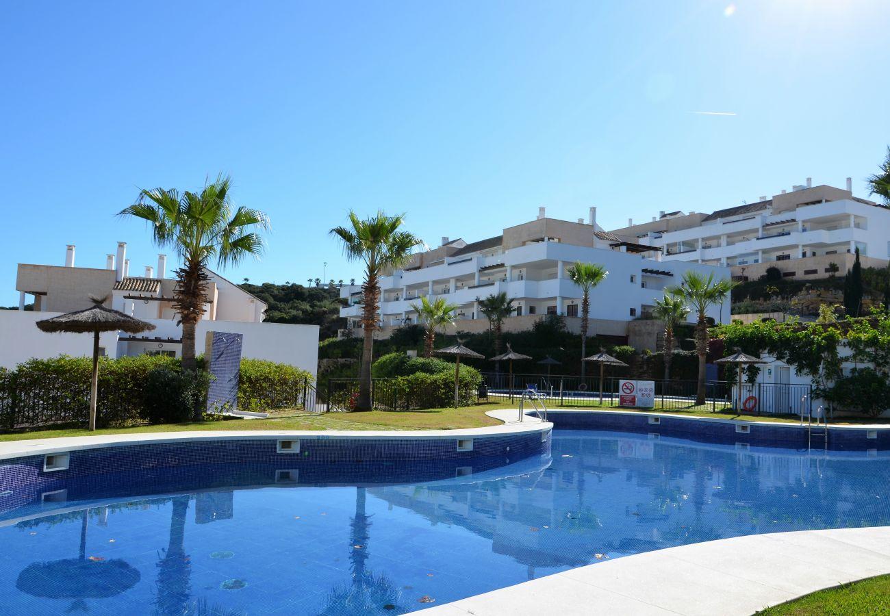Zapholiday - 2232 - Alcaidesa apartment rental - swimming pool
