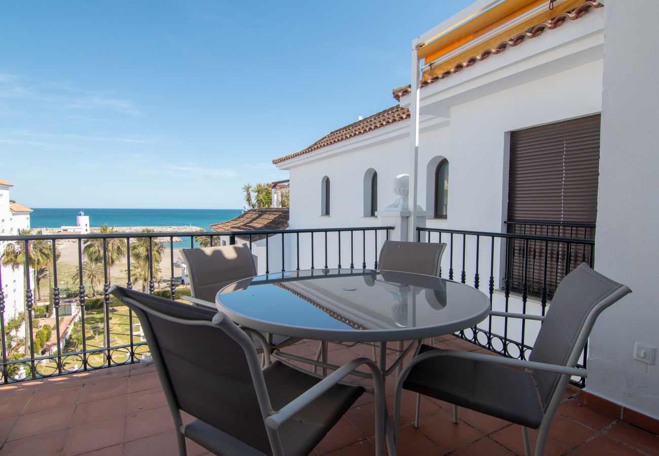 Zapholiday - 2233 - Duquesa holiday apartment - sea view