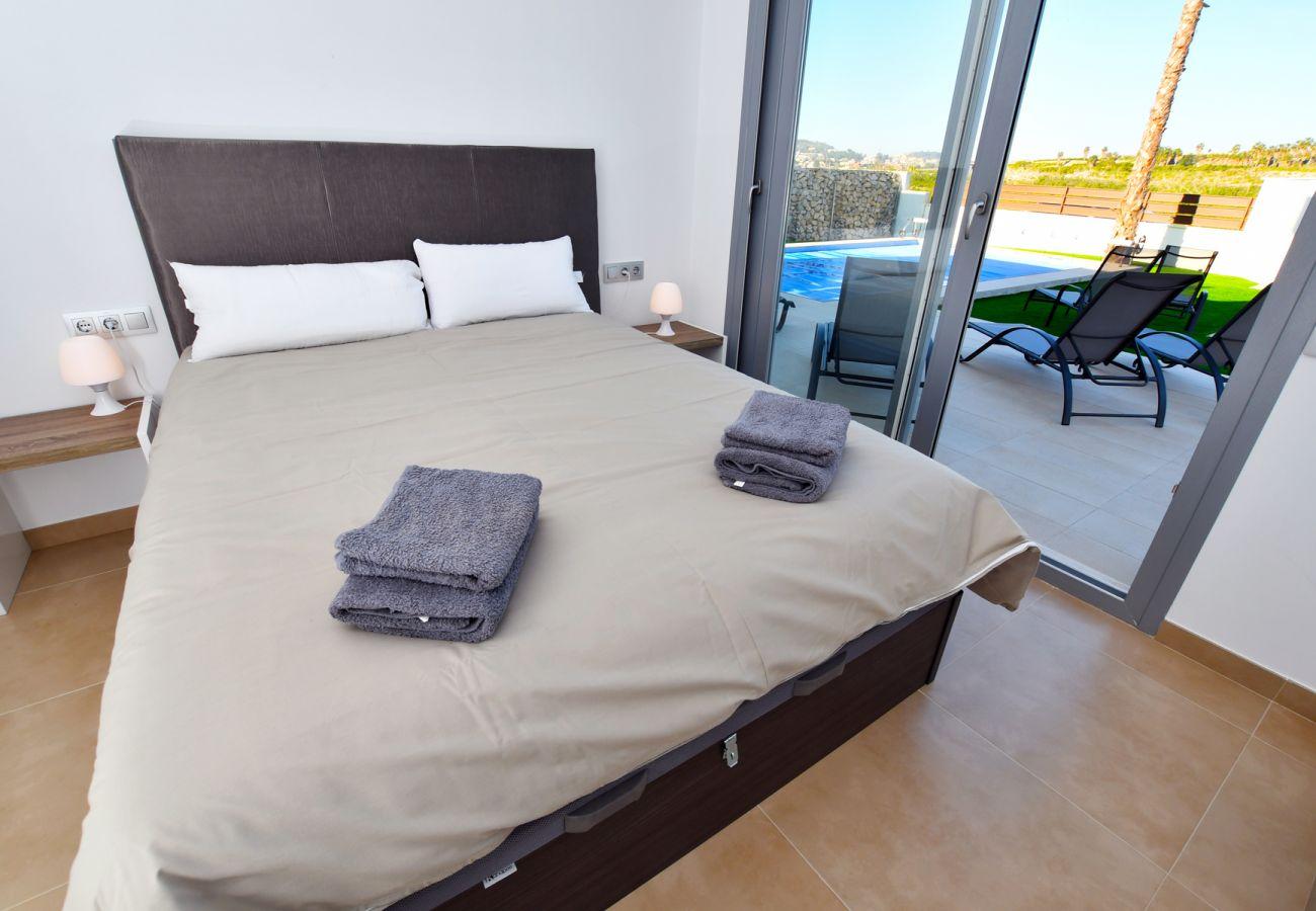 Zapholiday - 3021 - villa Orihuela, Alicante - bedroom