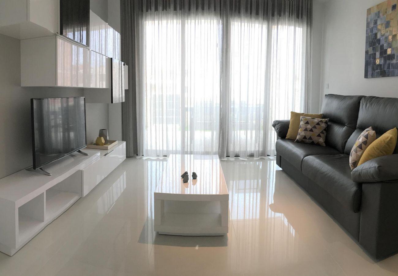 Zapholiday - 3022 - Mil Palmeras apartment, Costa Blanca - living room