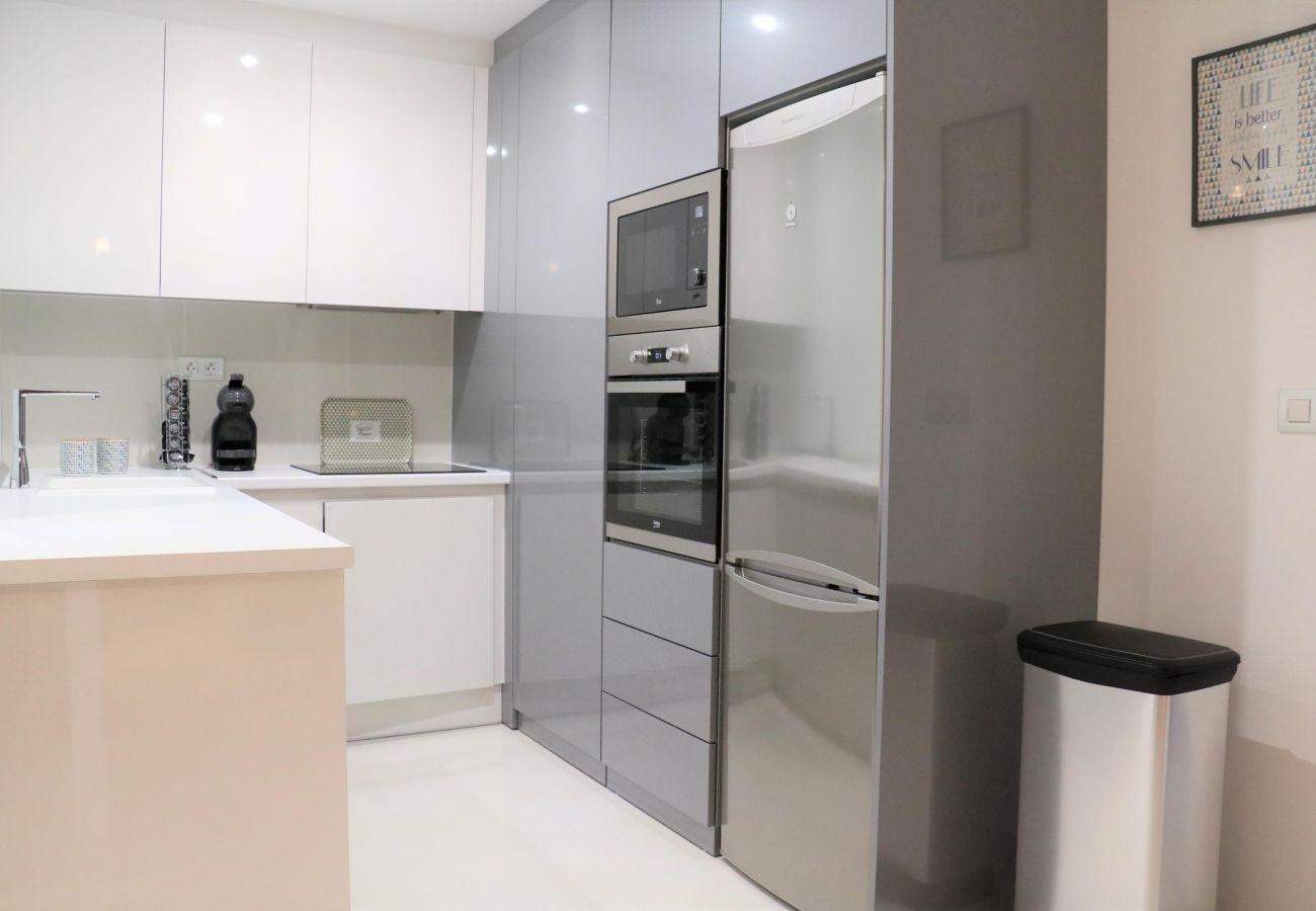 Zapholiday - 3022 - Mil Palmeras apartment, Costa Blanca - kitchen