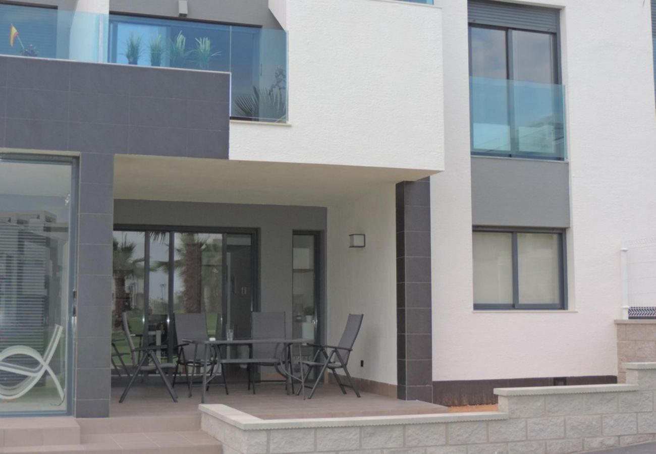 Zapholiday - 3023 - Punta Prima apartment, Costa Blanca - terrace