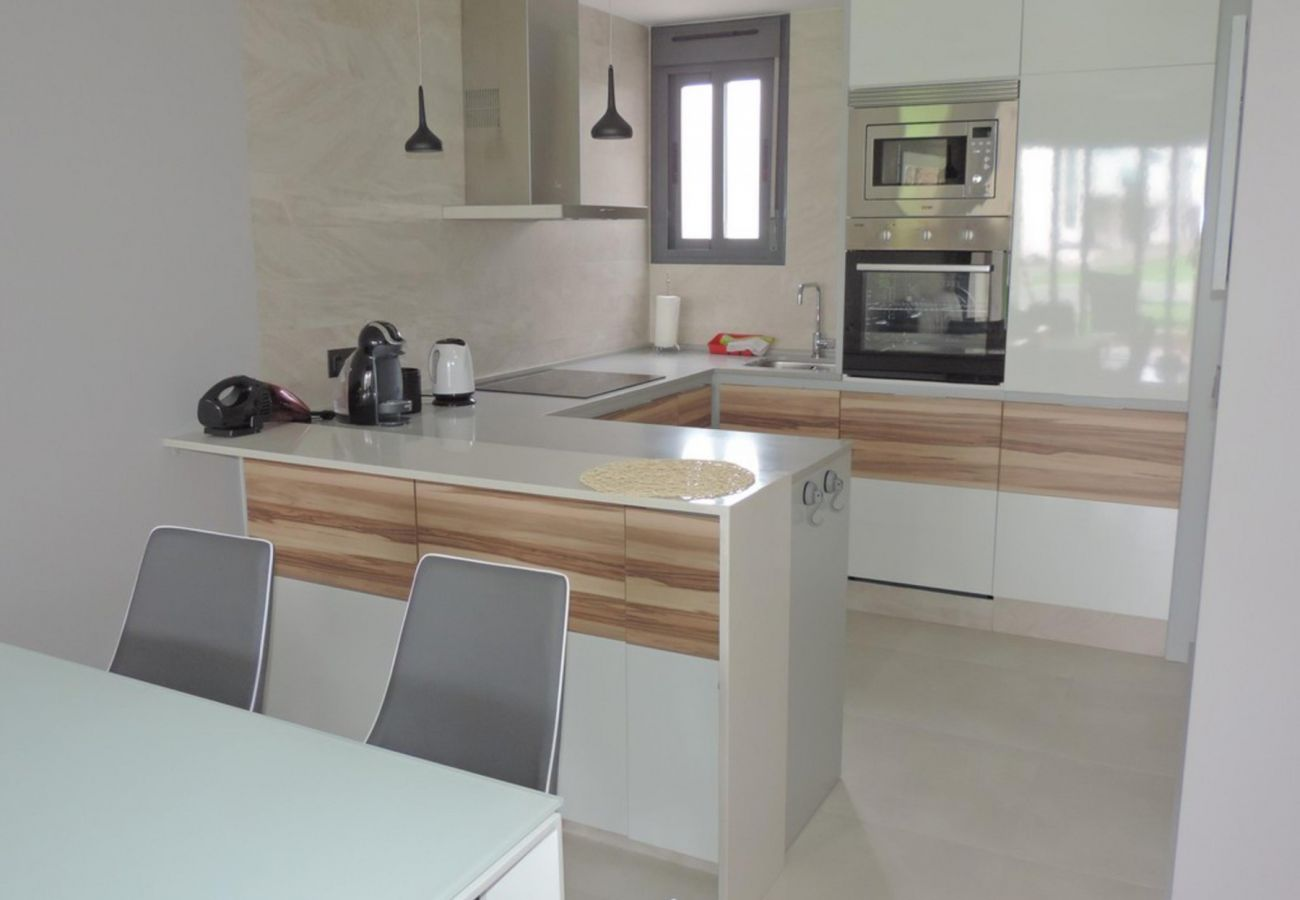 Zapholiday - 3023 - Punta Prima apartment, Costa Blanca - kitchen