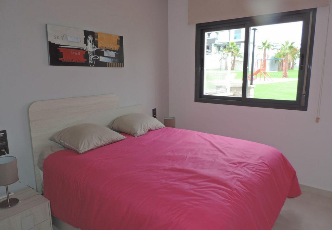 Zapholiday - 3023 - Punta Prima apartment, Costa Blanca - bedroom