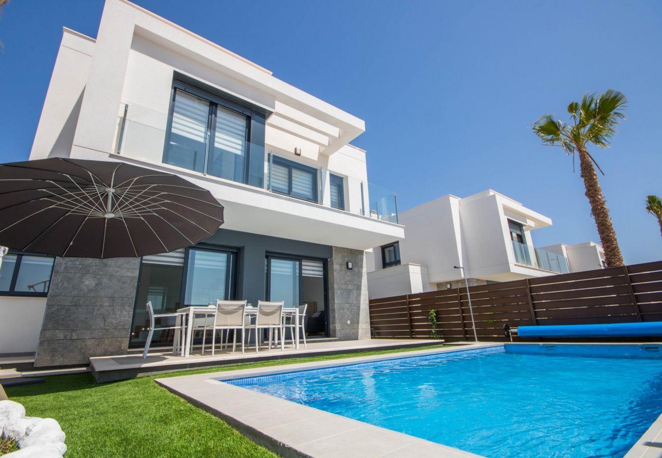 Zapholiday - 3034 - Villa Costa Blanca, Alicante - pool