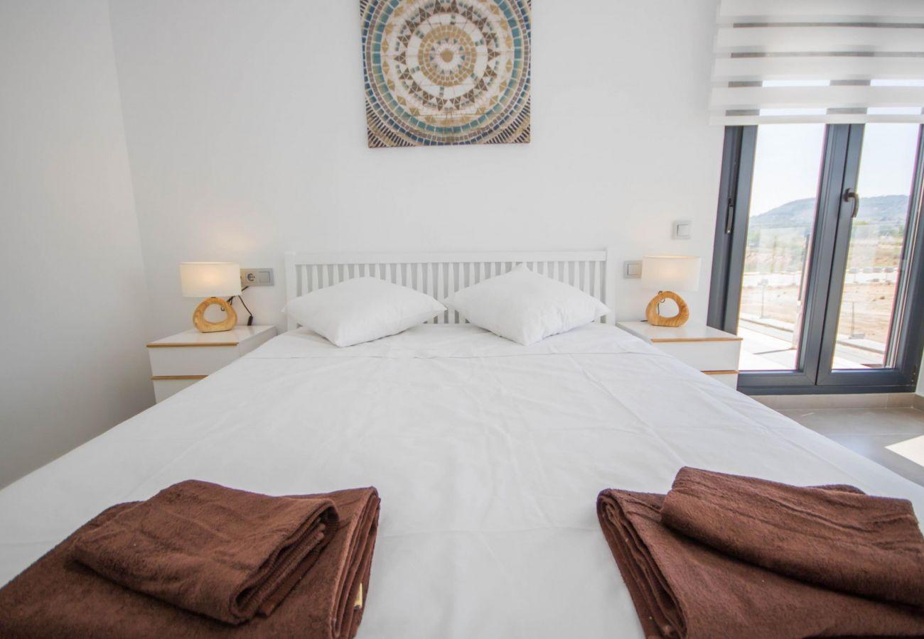 Zapholiday - 3034 - Villa Costa Blanca, Alicante - bedroom