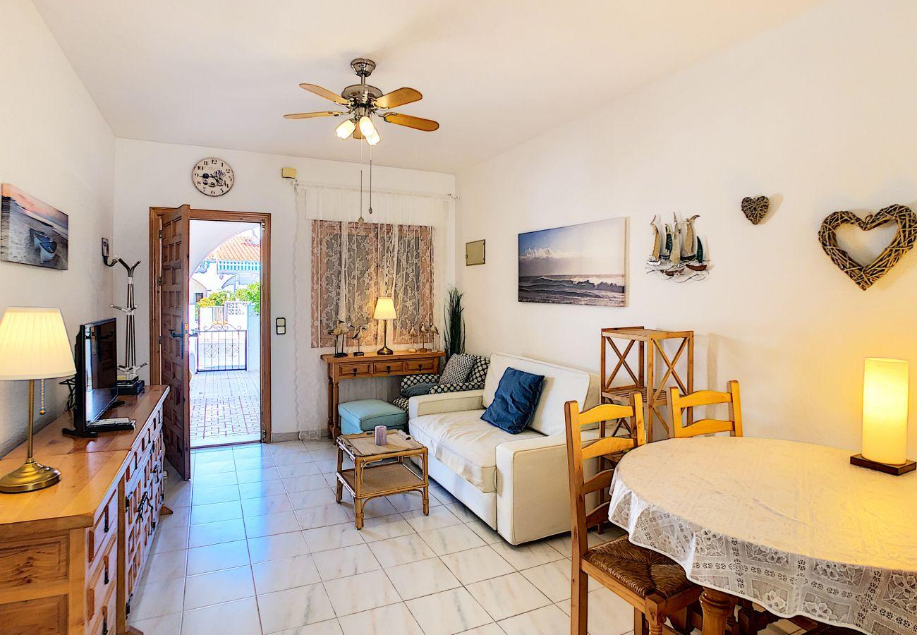 Zapholiday - 3046 - rental apartment Villamartin, Costa Blanca - living room