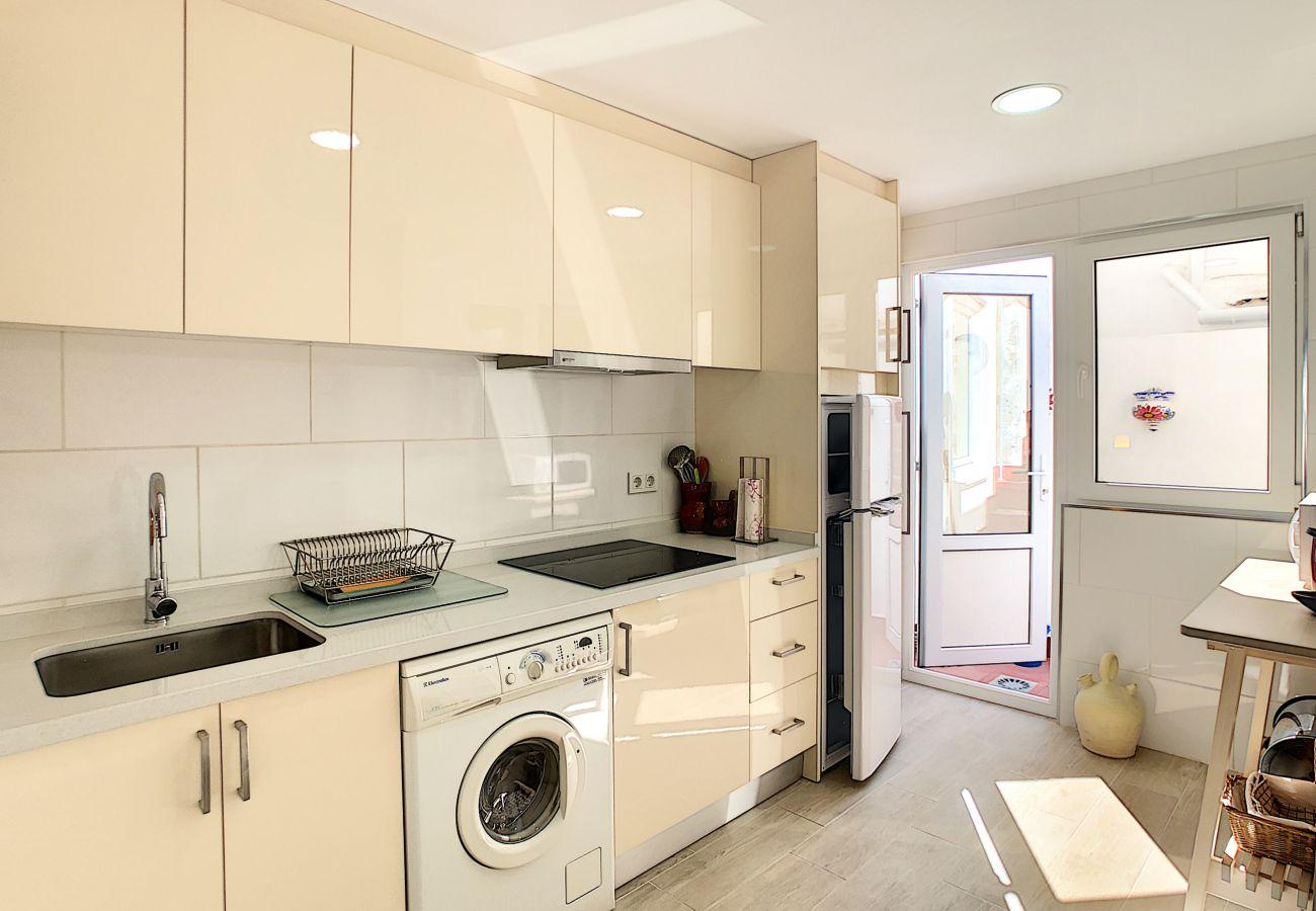 Zapholiday - 3046 - rental apartment Villamartin, Costa Blanca - kitchen