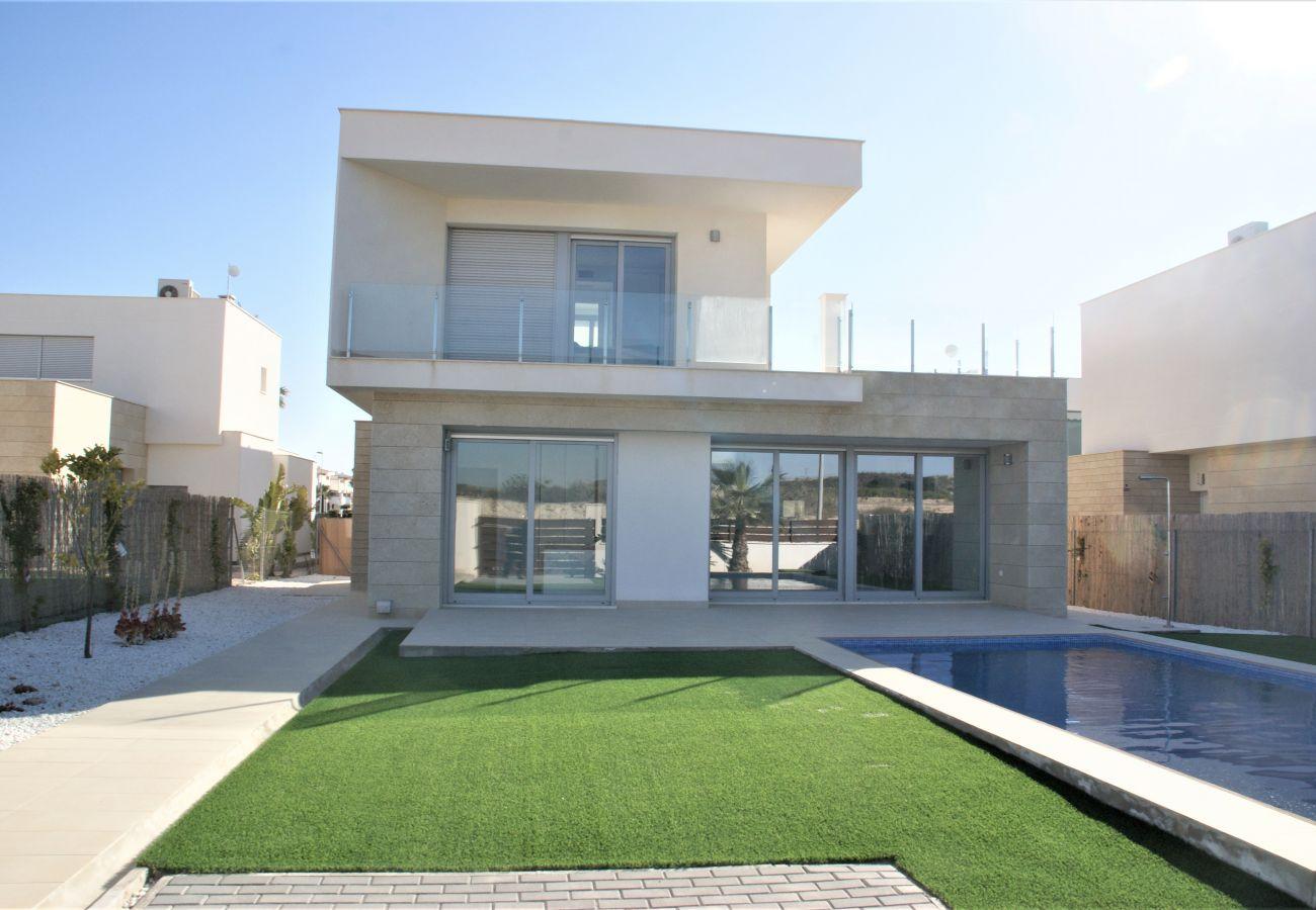 Villa in Orihuela - 3053 Vistabella- Malibu 3053
