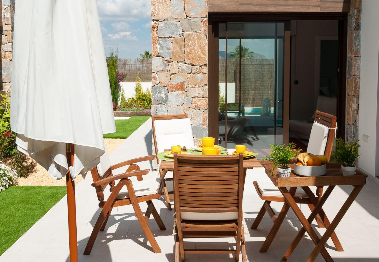 Zapholiday  –  3019  -  villa Algorfa, Alicante  –   terrace