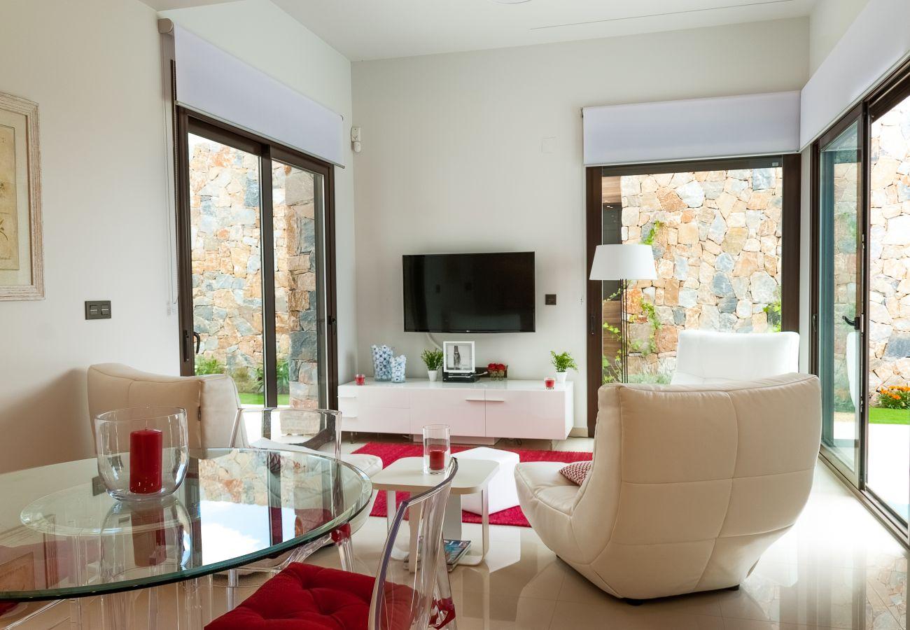 Zapholiday  –  3019  -  villa Algorfa, Alicante - living lounge