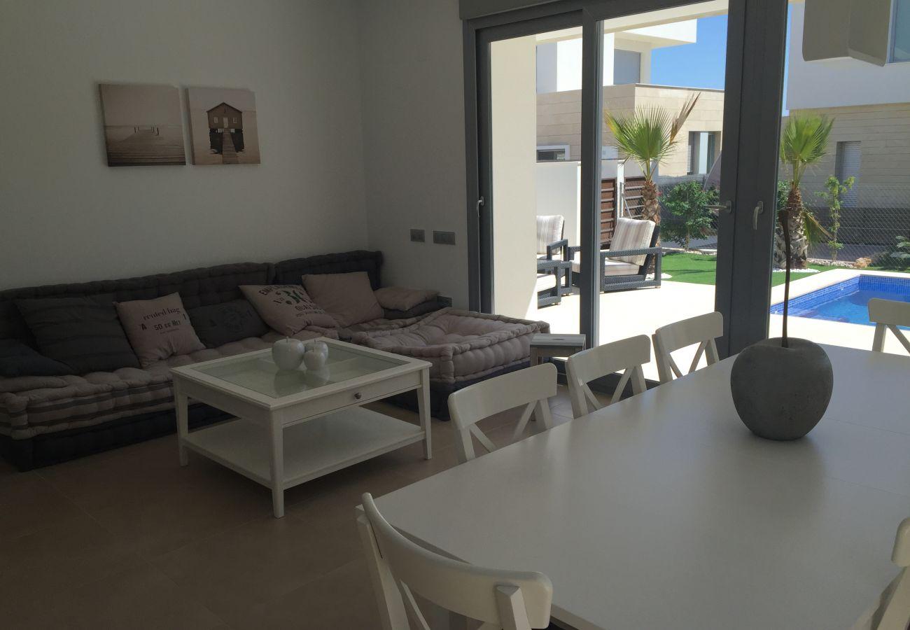 Zapholiday - 3018 - villa Orihuela, Alicante - living room