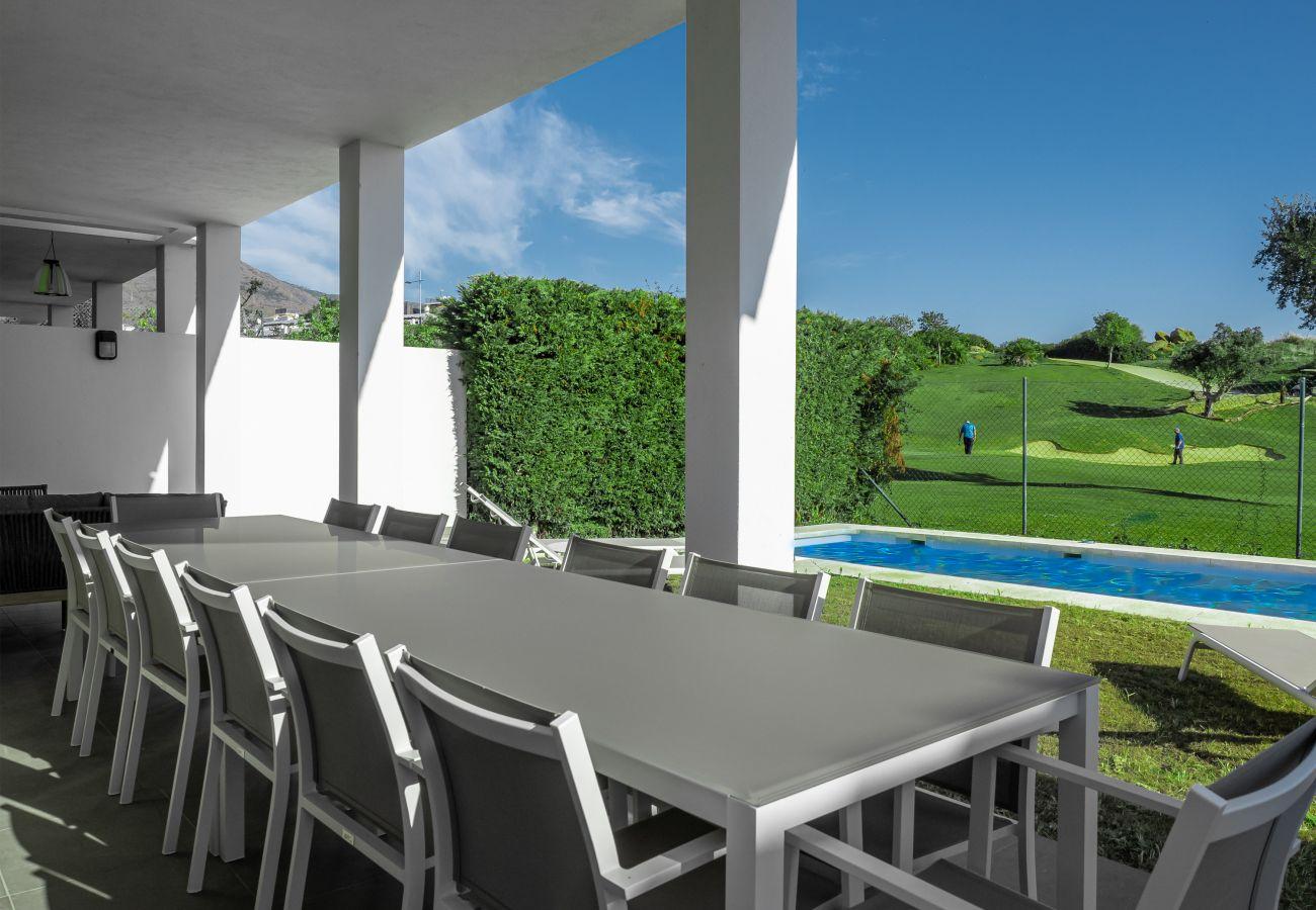 Zapholiday - 2301 - Villa Estepona, Costa del Sol - terrace