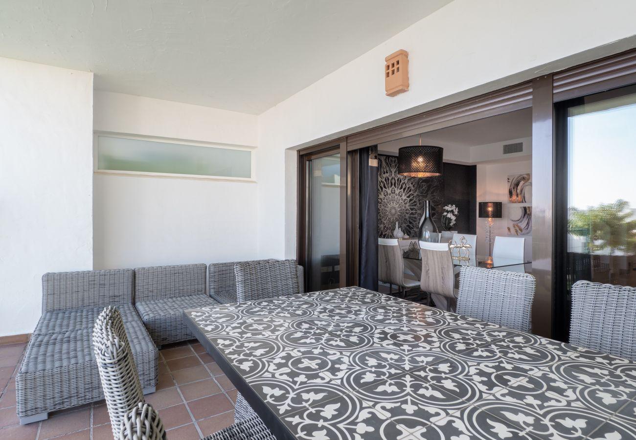 ZapHoliday - 2305 - apartment rental in La Alcaidesa, Costa del Sol - terrace