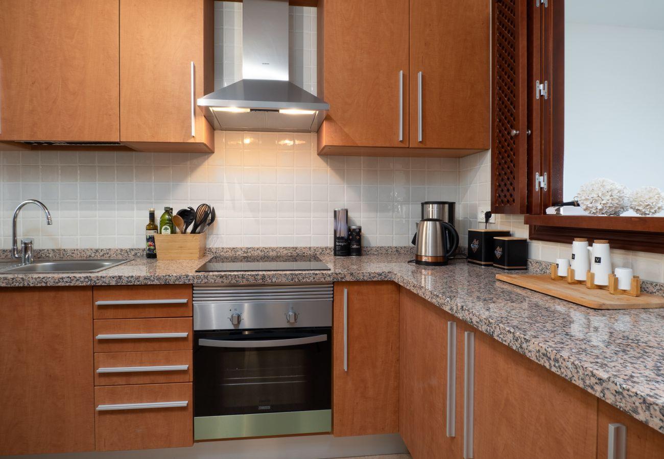 ZapHoliday - 2305 - apartment rental in La Alcaidesa, Costa del Sol - kitchen